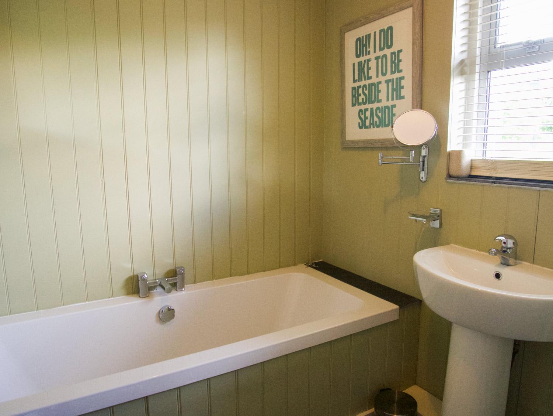 Lookout Cottage Bathroom