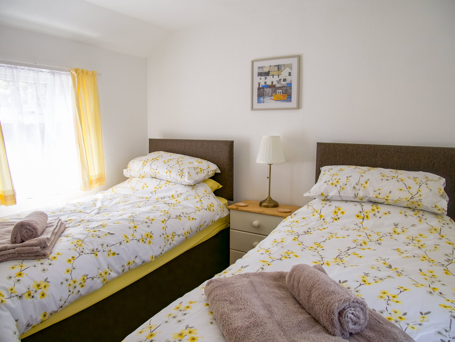 Oysters Twin Bedroom