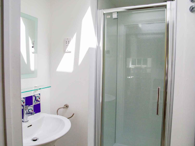 Parc Vean Bathroom