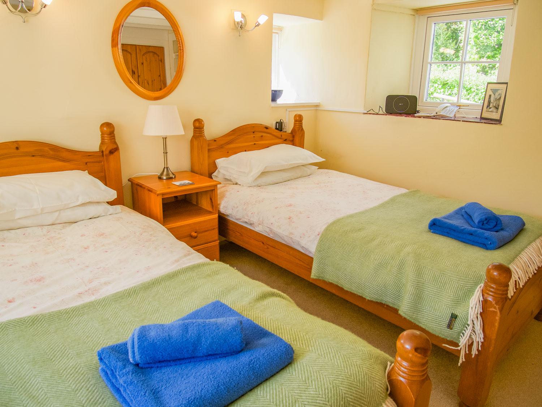 Pixies Cottage Upstairs Twin Bedroom