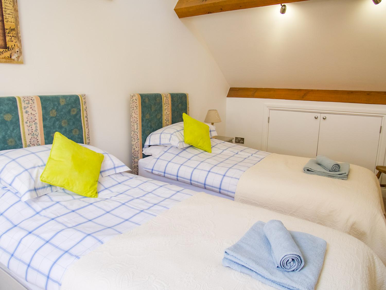 Sabusita Twin Bedroom
