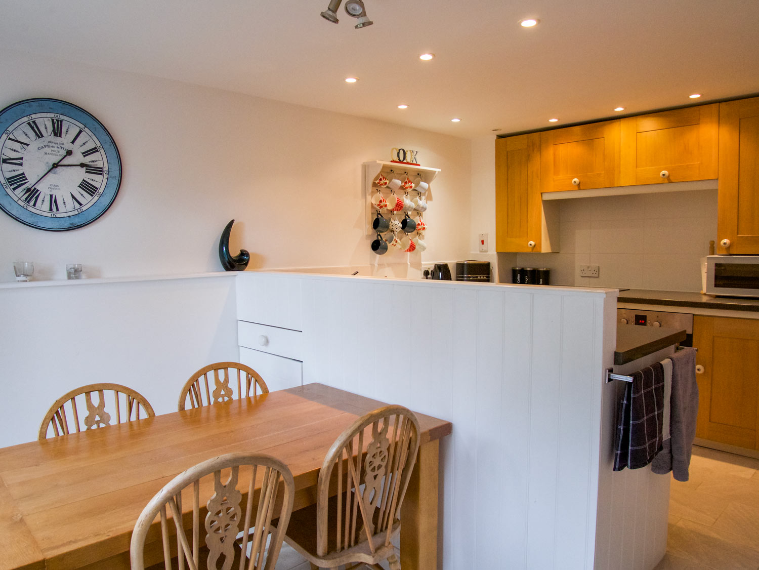 Stable Cottage Kitchen & Dining Area