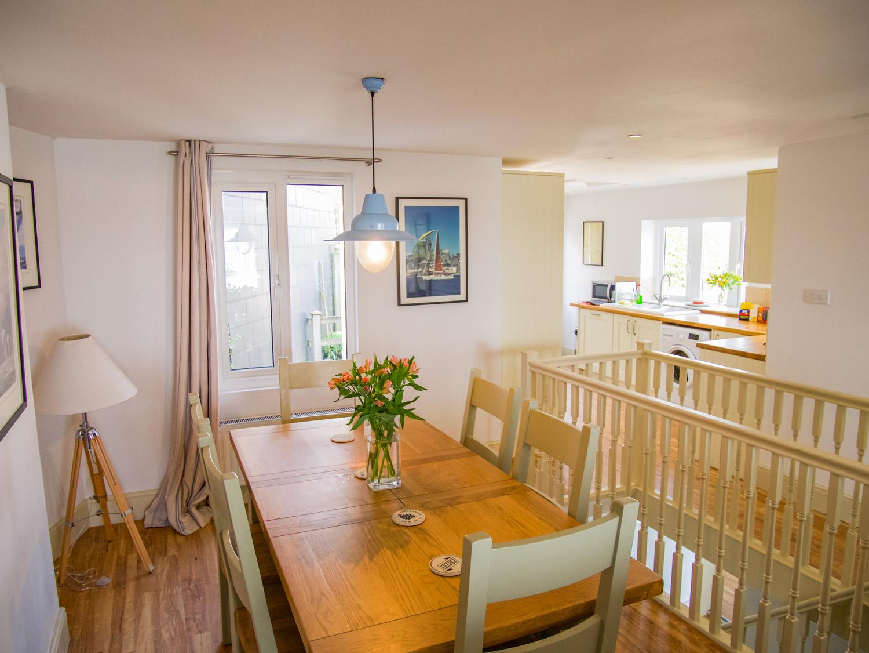 Sunbeam Cottage Dining Area & Kitchen