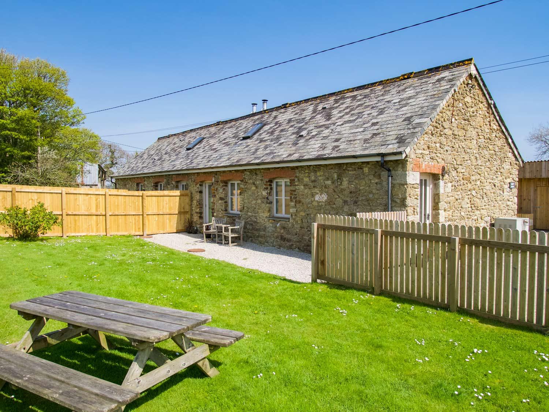 Swift Barn Exterior & Garden