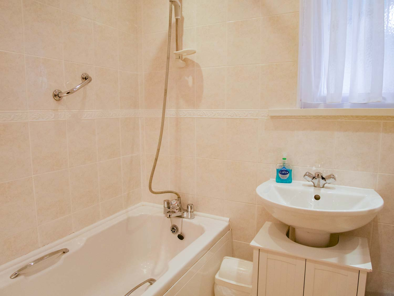 Chenies Bathroom