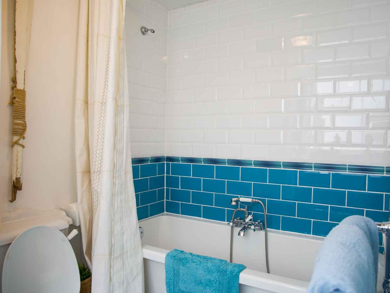 Zawn Haven The Galley Room En Suite