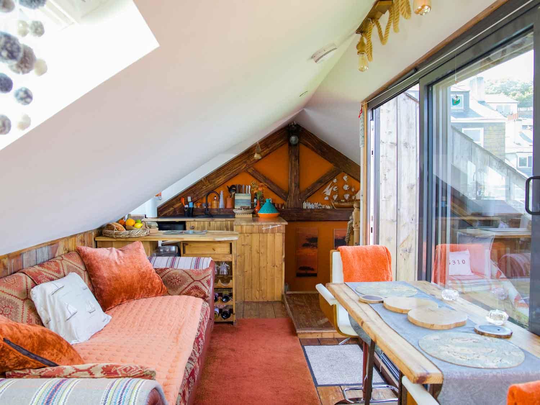 Zawn Haven Sundeck Suite Living Area & Kitchen