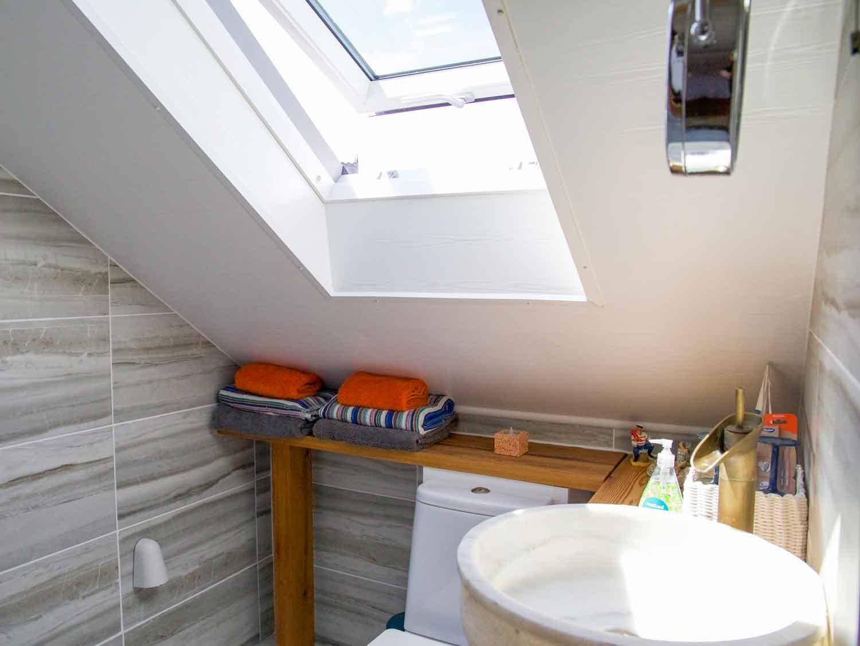Zawn Haven Sundeck Suite Wet Room Bathroom