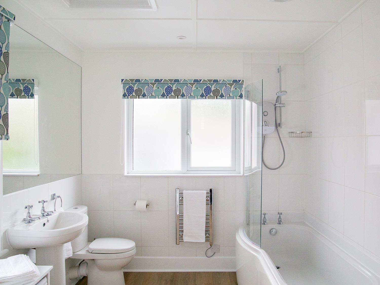 Slipway Cottage Family Bathroom